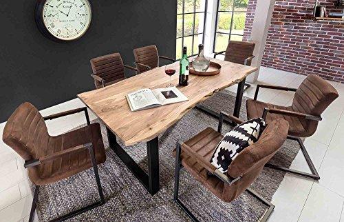 lifestyle4living Esstisch aus Akazienholz, Baumkante, eckig/Küchentisch hat schwarzes Metallgestell/Stabiler…